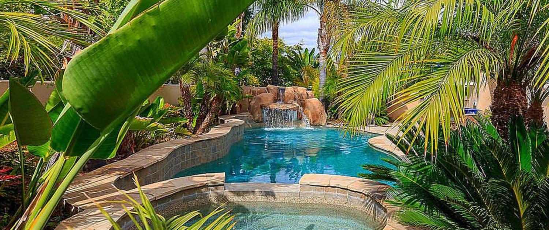 custom pool design features